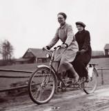 Flory och Elin. Bild 3222.