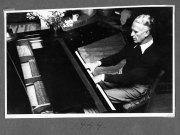 Gösta Nystroem vid pianot 1949, Särö