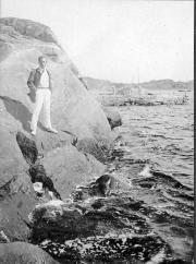 Matti Rubinstein på en klippa i Stallviken, Särö